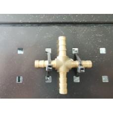 *четирипътник за маркуч метален Х8мм
